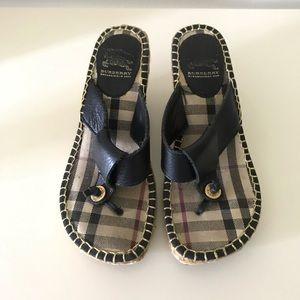 💯 Auth Burberry wedges